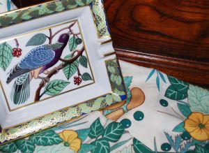 28 - Cendrier « Pigeon du Pacifique » et plaid « De la citrouille… »