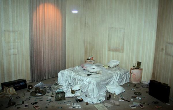 Désordonnée chambre de femme, Charles Matton